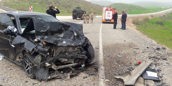Diyarbakır'da otomobiller çarpıştı
