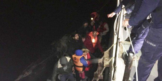 Lastik botta 23 kaçak göçmen yakalandı