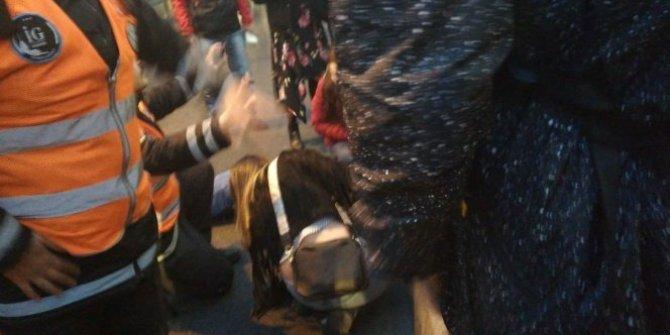 Metrobüs yolcuya çarptı
