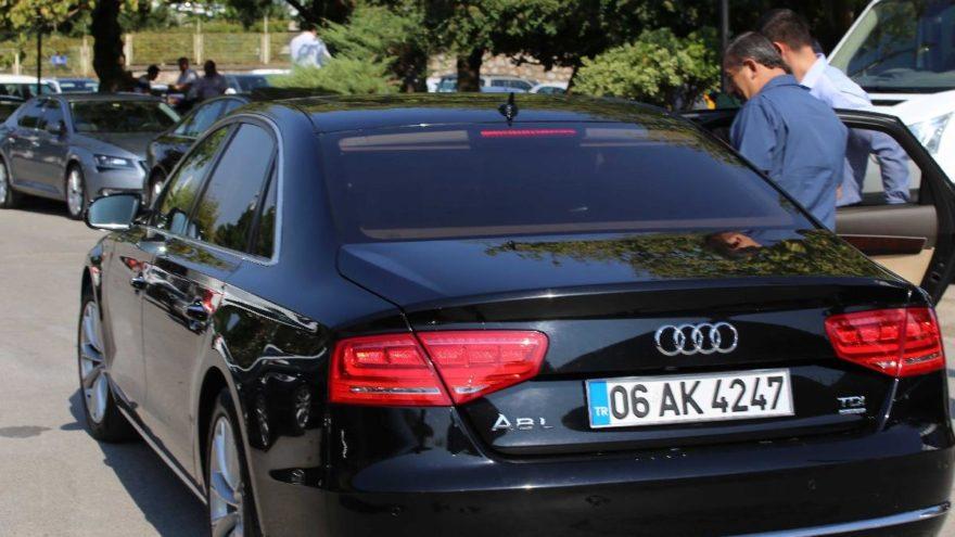 Başkanlar gitti, milyonluk araçlar otoparka çekildi.