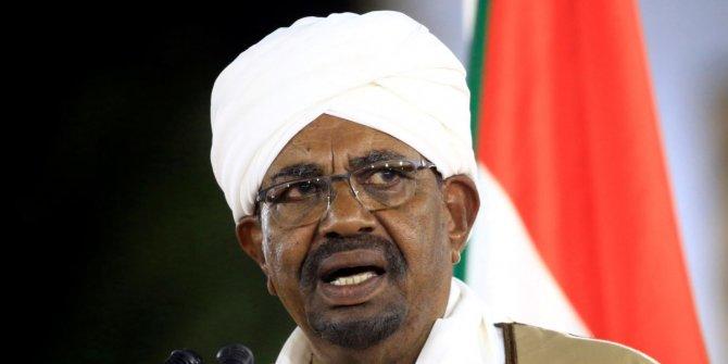 Sudan'da devrik liderin evinden milyonlarca dolar çıktı