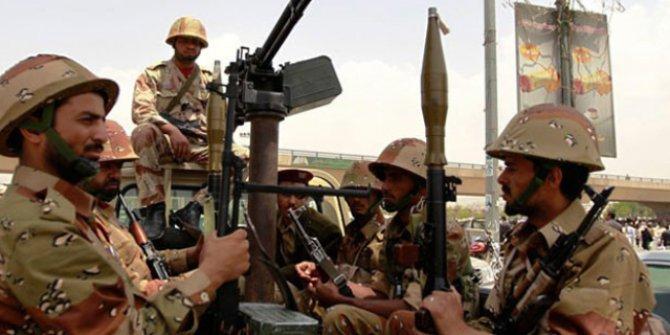 Yemen'de Husilere ait askeri noktaya saldırı