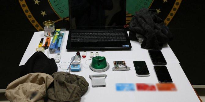 ATM'ye kopyalama düzeneği yerleştiren 3 kişi yakalandı