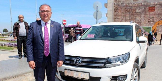 Yalova Belediye Başkanı makam aracını iade etti