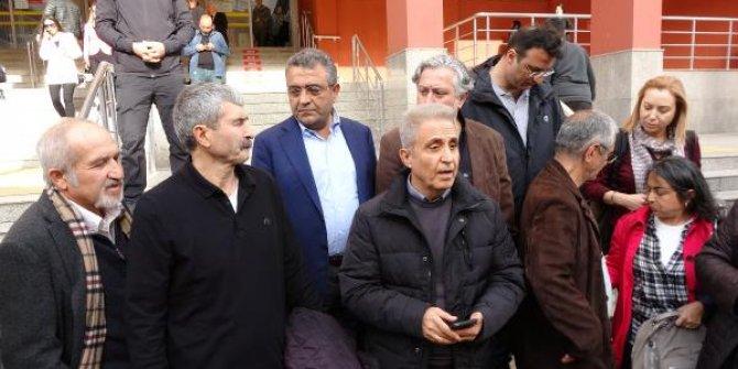 Cumhuriyet Gazetesi eski çalışanları cezaevine girdi