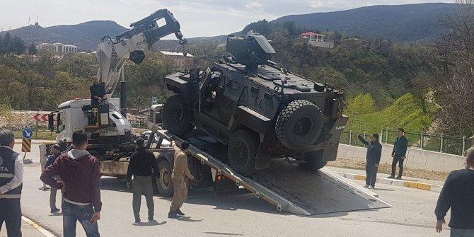 Tunceli'de askeri araç ile otomobil çarpıştı