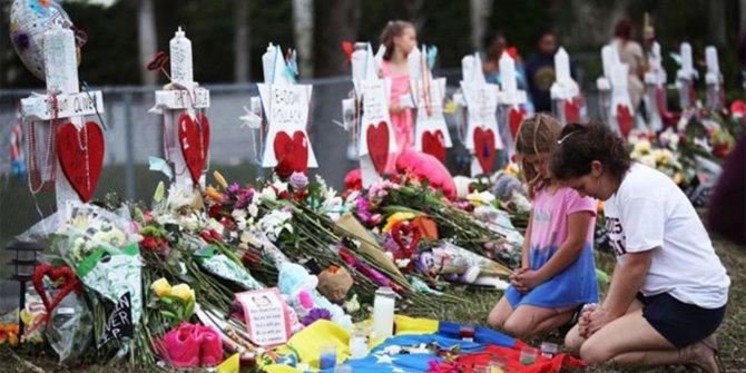 Florida'da öğretmenler silah taşıyabilecek!