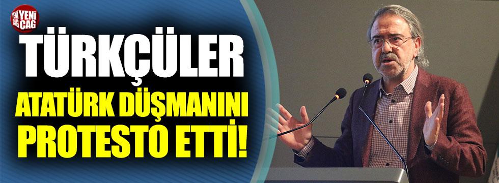Atatürk'e hakaret eden Mustafa Armağan'ı Türkçüler protesto etti