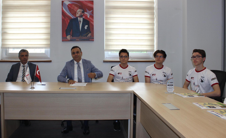 İzmirli 3 okul Dünya Robot Olimpiyatı'nda Türkiye'yi temsil edecek