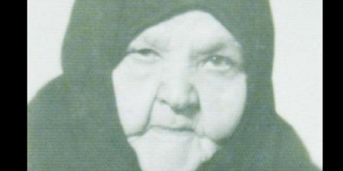 Atatürk'ü Samsun'da karşılayan tek kadın