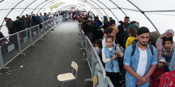 Binlerce Suriyeli bayram için ülkesine gidiyor