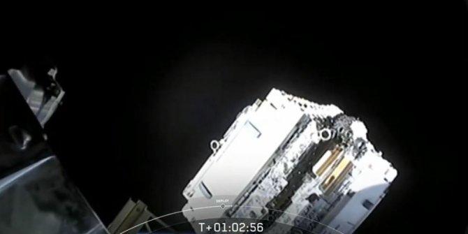 SpaceX uzaya 60 internet uydusu gönderdi