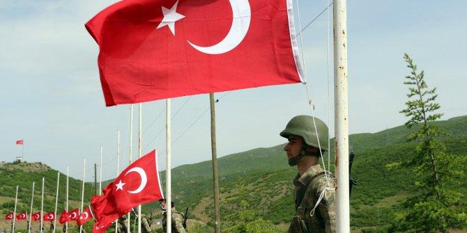 PKK'nin şehit ettiği 33 asker törenle anıldı