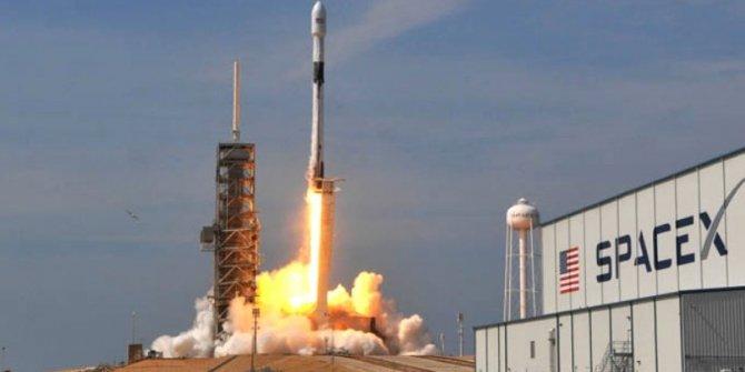 Elon Musk 60 internet uydusunu uzaya gönderdi!