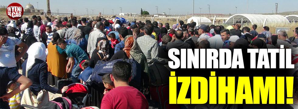 Suriyelilerden sınırda 'tatil' izdihamı