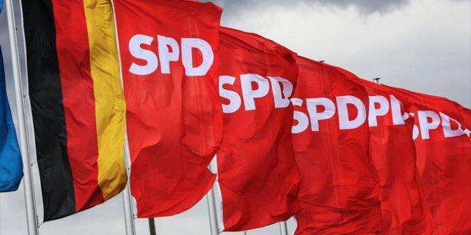 Almanya'da SPD Genel Başkanı istifa ediyor