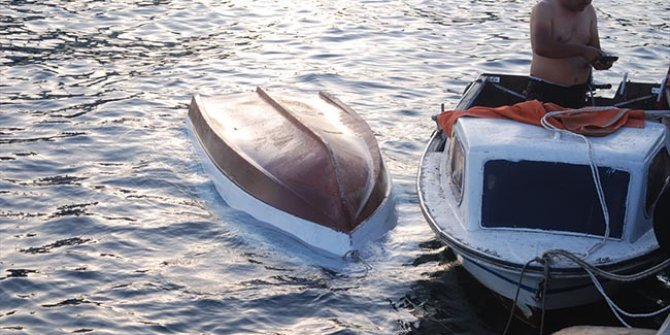 Maltepe sahilinde tekne alabora oldu