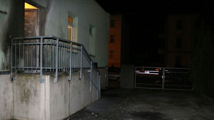 Almanya'daki Fatih Camisi'ne saldırı