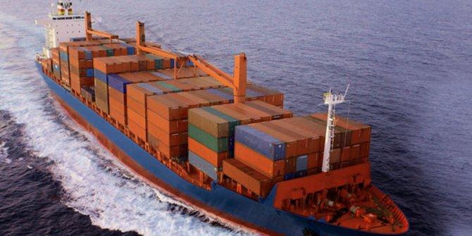 Endonezya'da yük gemisi alabora oldu