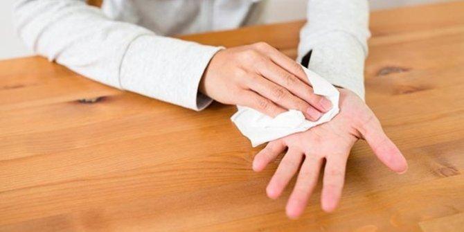 Saç, el ve ayaktaki aşırı terlemeye botoks tedavisi