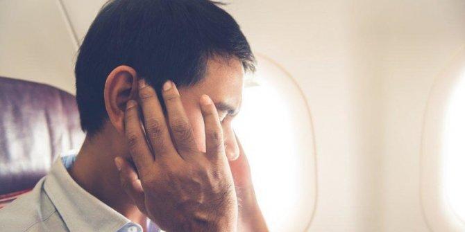 Uçakta kulak tıkanıklığını önleyen 3 yöntem