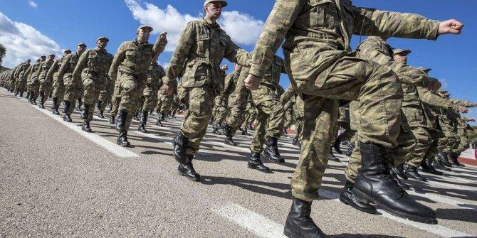 AKP'den askerlik için toplanma kararı!