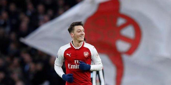 Arsenal'den Mesut Özil kararı
