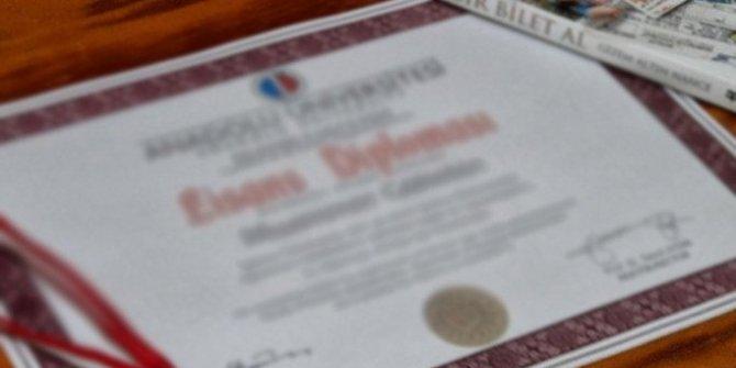 Cenk Koray diploma aldı...