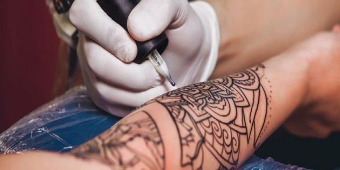 Gençlere dövme yasaklanabilir