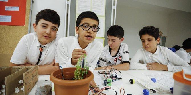 Lösemi hastası öğrenciden 'akıllı sokak lambası' projesi