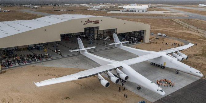 Dünyanın en büyük uçağı satılıyor