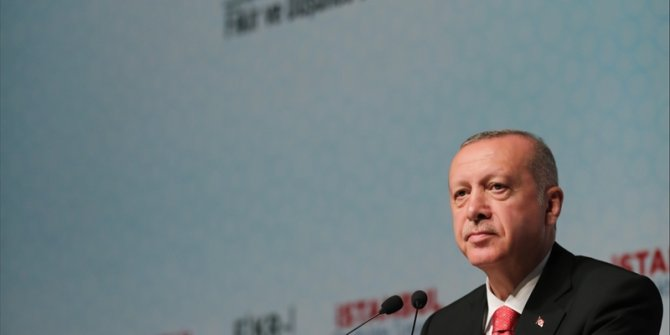 """Erdoğan'dan gazetecilere: """"Siyaseti dizayn etmenin..."""""""