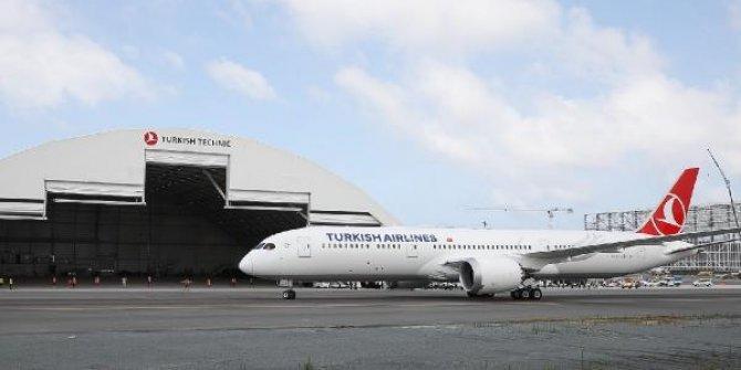THY'nin ilk 'Dreamliner'ı İstanbul'da