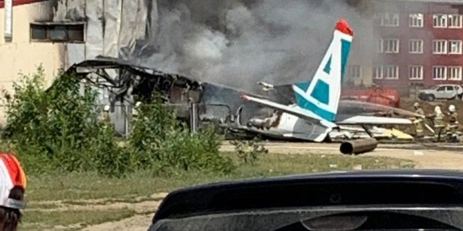 Buryatya'da An-24 yolcu uçağı kaza yaptı