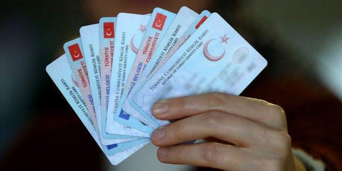 981'i Türk vatandaşı oldu