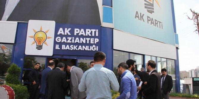 AKP'de yeni parti depremi