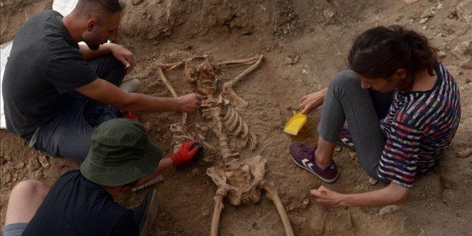 Sinop'ta arkeologları şaşırtan 'keyfine düşkün' iskelet