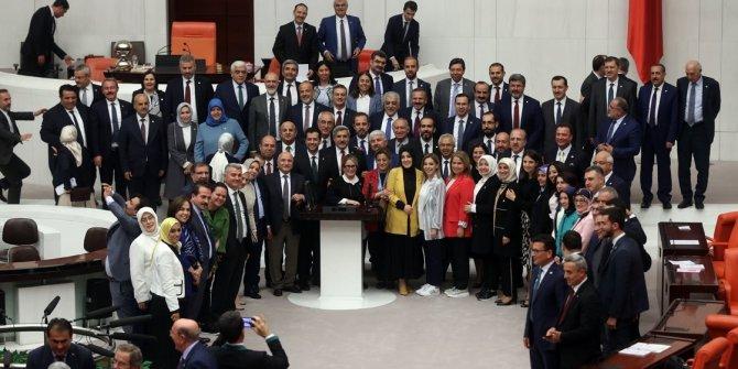 AKP kendi başarısızlığını onayladı