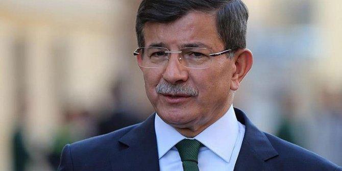 """İsmail Saymaz: """"Davutoğlu ne ayrılmak istiyor, ne de yeni parti için cesareti var"""""""