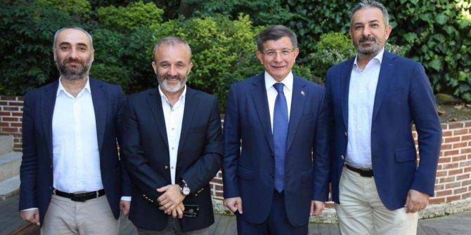 Davutoğlu'nu davet eden Yavuz Oğhan'ın programına son verildi!