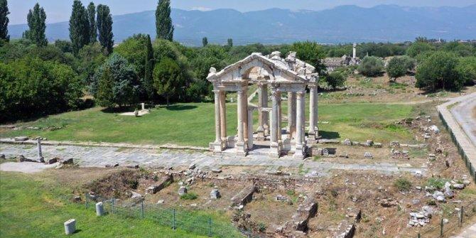 Roma döneminin 'İstiklal Caddesi' gün yüzüne çıkıyor