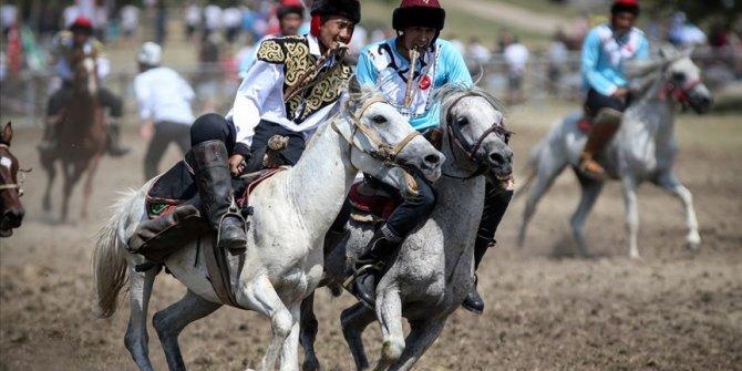 Türk Dünyası Ata Sporları Şenliği Bursa'da başladı