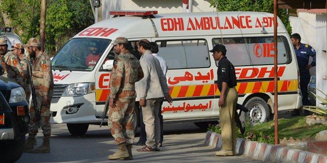 Pakistan'da intihar saldırsı