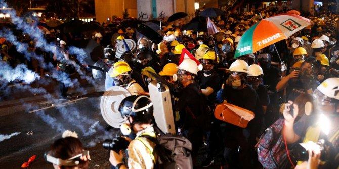 Hong Kong'da Çin'e karşı protestolar şiddetleniyor
