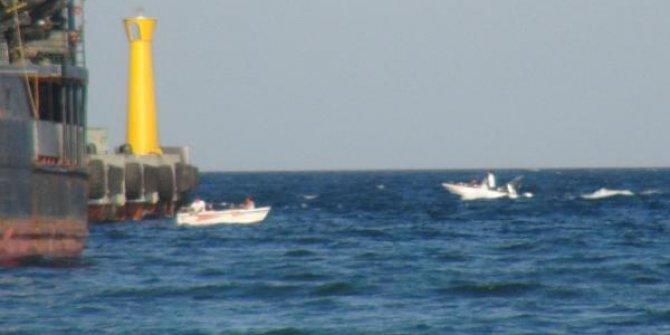 Marmara Denizi'nde tekne alabora oldu