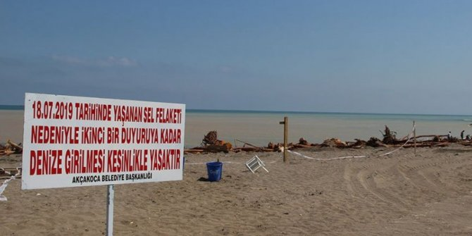 Akçakoca'da denize girmek yasaklandı