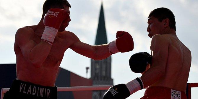 Kızıl Meydan'da 5 bin kişi boks antrenmanı yaptı