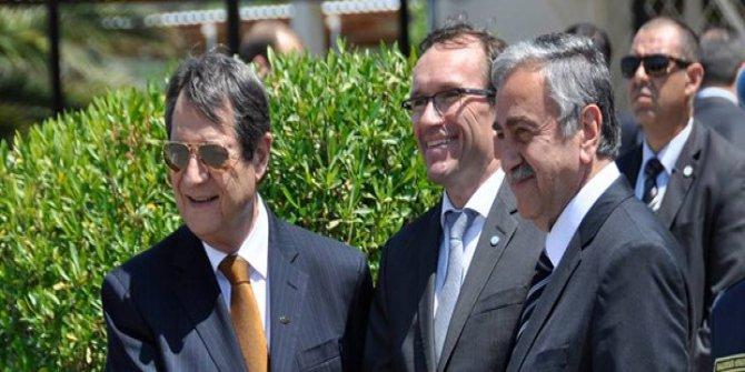 Kıbrıs'ta taraflar bir araya gelecek