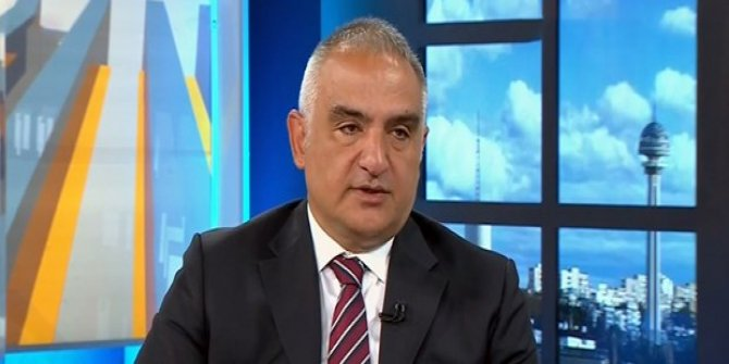 """Bakan Ersoy'dan """"turizmde katkı payı"""" eleştirilerine yanıt"""