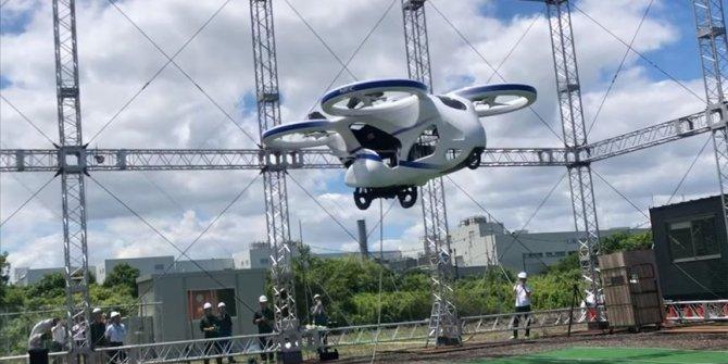 Japonya'da uçan otomobil prototipi deneme uçuşu yaptı